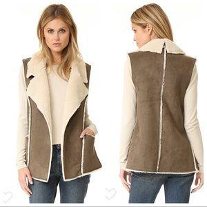 Moon River Shopbob Sherpa vest s small